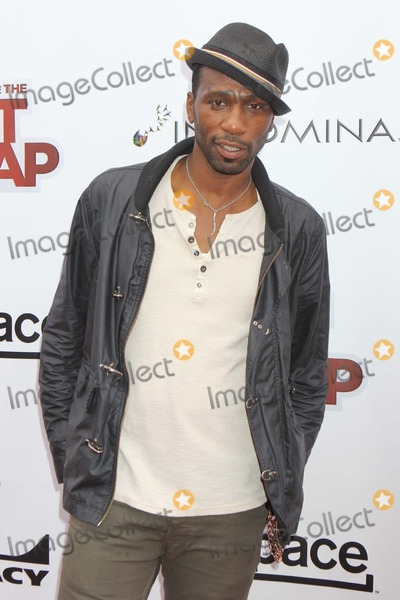 Leon Robinson Arriving at the Premiereof-something-from-nothing-photo-4913372